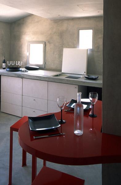 domaine des andeols au coeur du lub ron perch sur une colline cercl e d oliviers et de champs. Black Bedroom Furniture Sets. Home Design Ideas