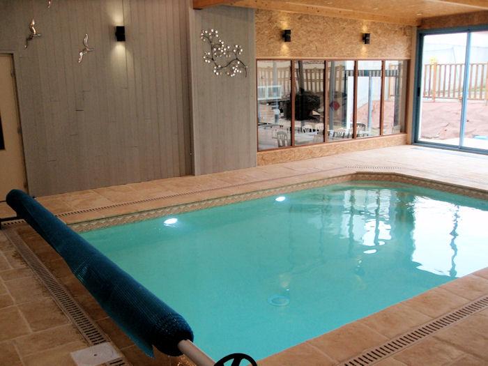 Les orchid es quatre ravissantes chambres d 39 h tes et piscine int rieure avril octobre 7 km d - Chambre d hote piscine interieure ...