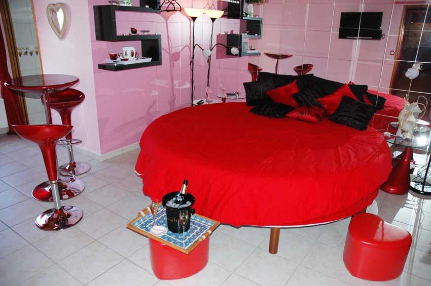 domaine bacchus pr s d 39 epernay dans un petit village reuil 3 fleurs vous serez re us par un. Black Bedroom Furniture Sets. Home Design Ideas