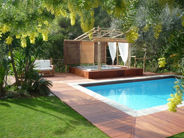 stunning jacuzzi terrasse jardin images. Black Bedroom Furniture Sets. Home Design Ideas