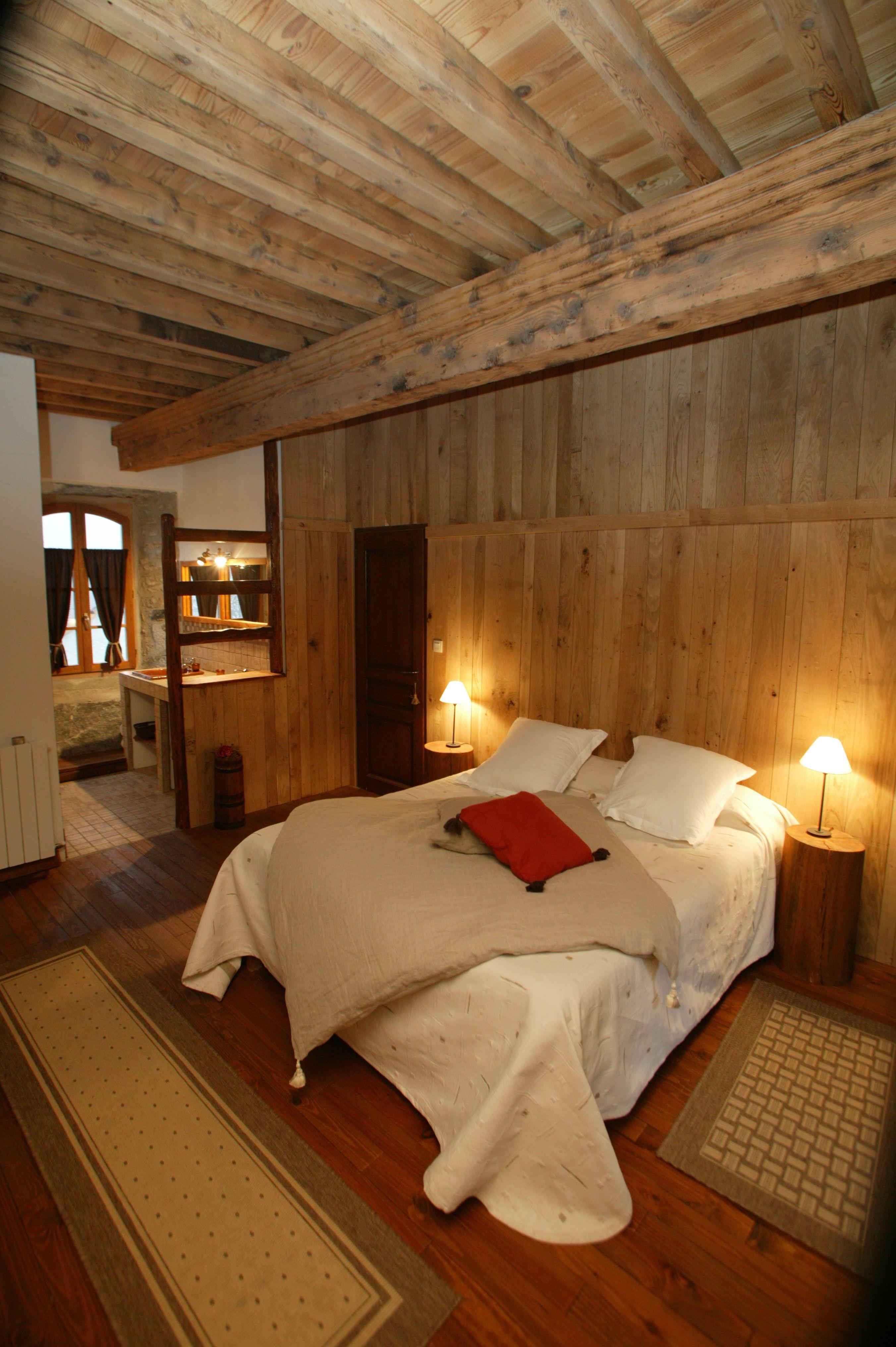 le relais de l empereur dans une batisse du xvie siecle un cadre authentique vue sur les. Black Bedroom Furniture Sets. Home Design Ideas