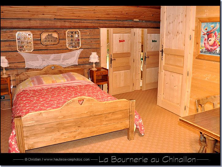 La bournerie ancienne ferme savoyarde datant de 1805 la bournerie vous propose 5 chambres d - Chambre d hote grand bornand ...